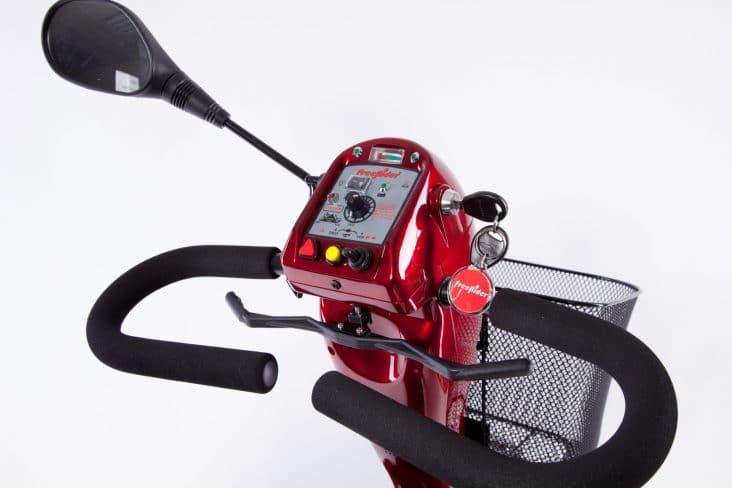 E-Mobil Freerider Bornholm in rot - Lenkeransicht