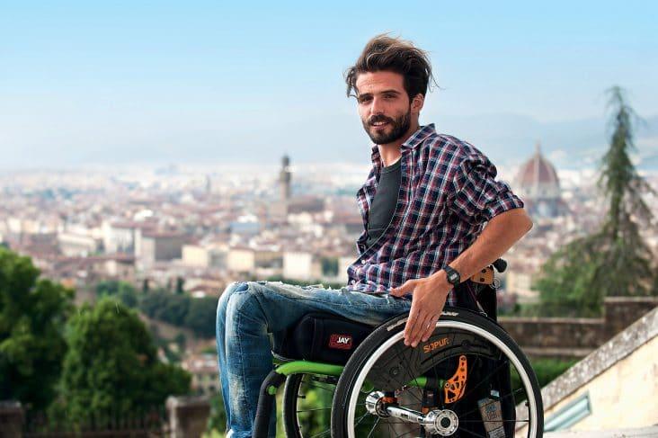 Elektro Scooter für Menschen mit Behinderung